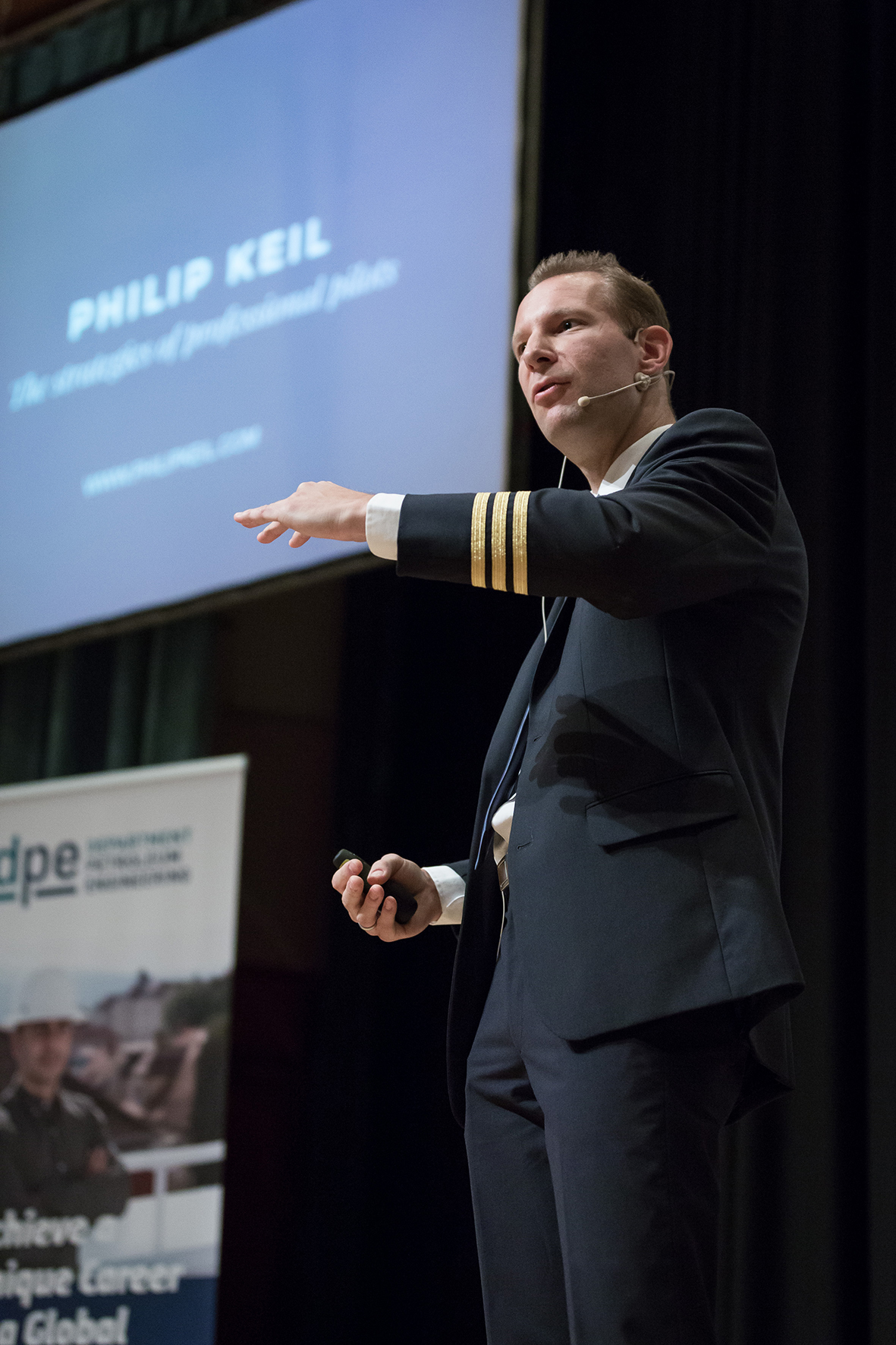 Philip Keil – professional pilot, speaker, author